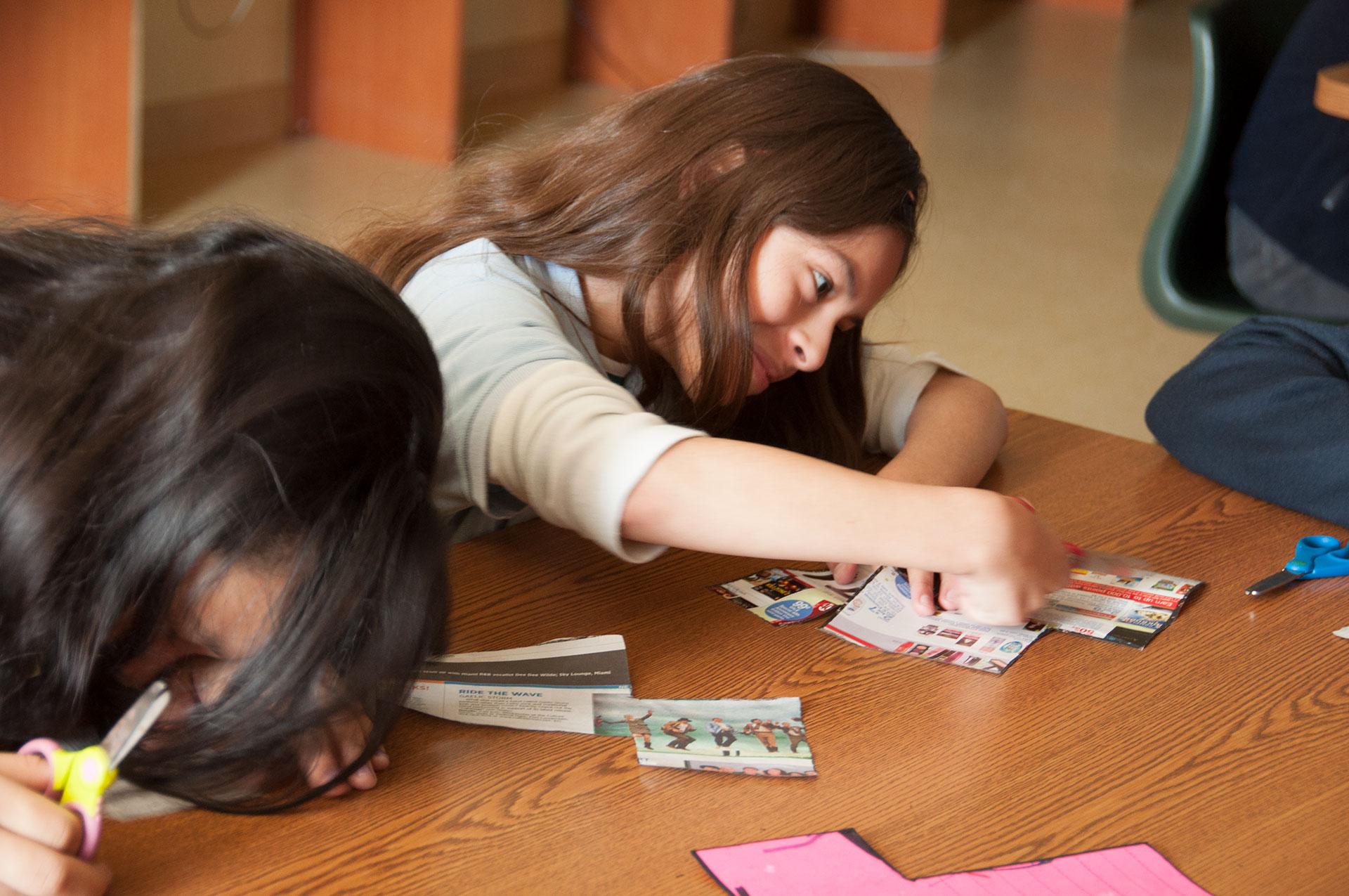 La Isla Hundida, educational program